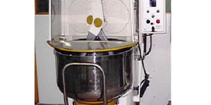 Twee armkneder Technopast 120 kg deeg (Tweedehands)